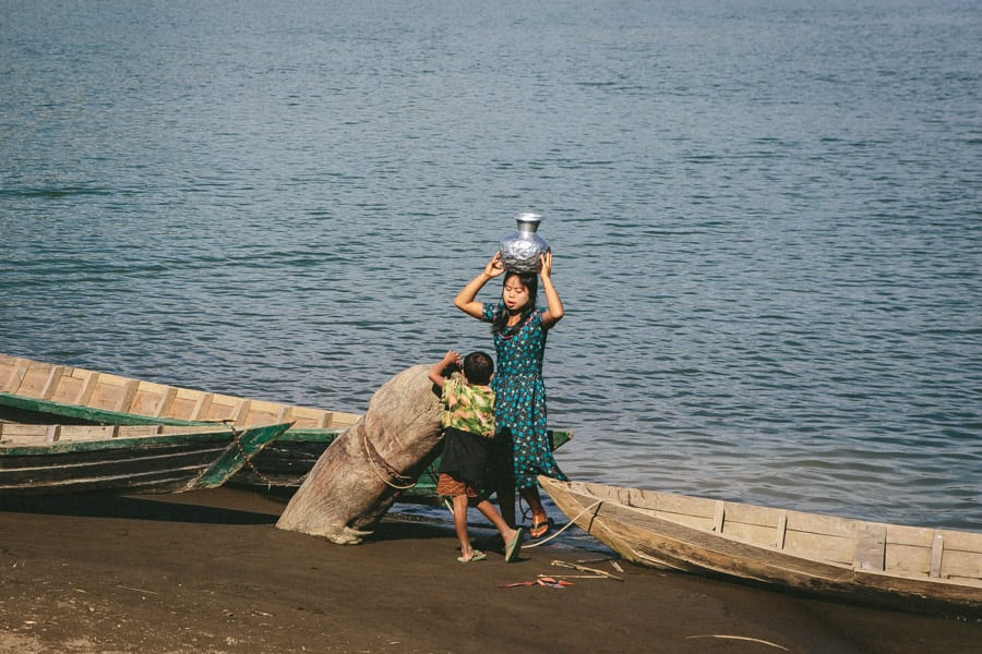 Myanmar-Mrauk U-Chin Villages-015