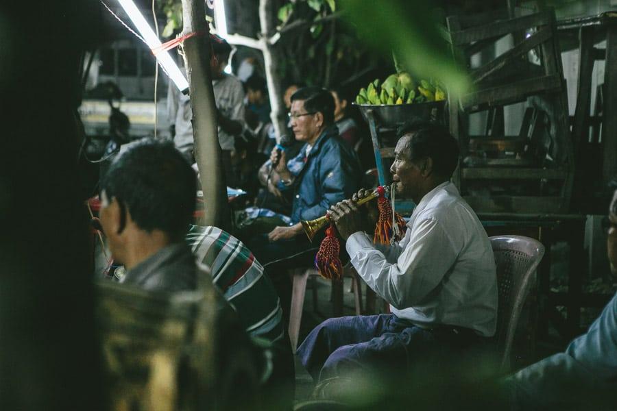 Mandalay-PagodaFestival-016
