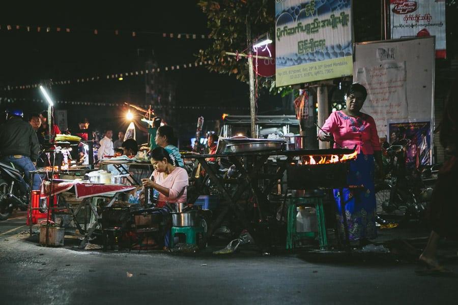 Mandalay-PagodaFestival-019