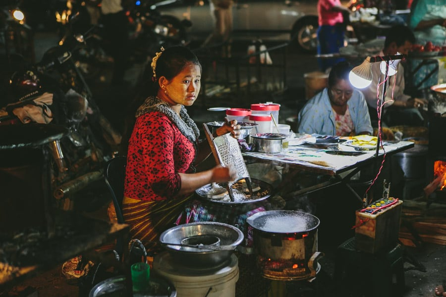 Mandalay-PagodaFestival-020