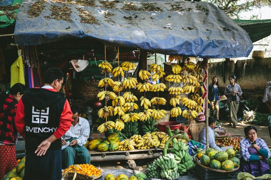 MarketDayInBagan-006