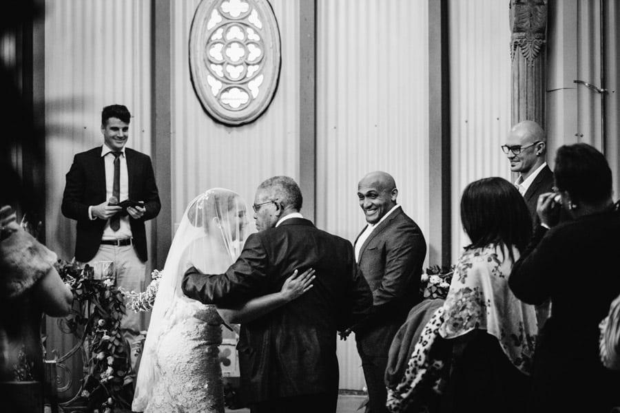 ro-dev_crystalbarn-documentary-wedding-photography-059