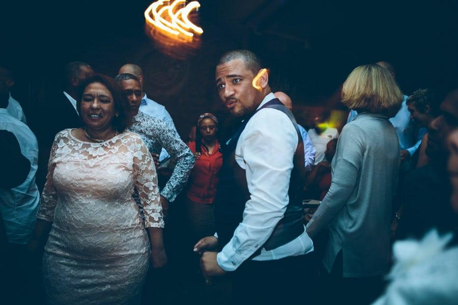 ro-dev_crystalbarn-documentary-wedding-photography-170