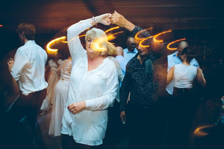 ro-dev_crystalbarn-documentary-wedding-photography-183